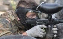 podczas gry w paintball