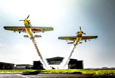 Pilot Red Bull Air Race, Paul Bonhomme i Steve Jones