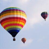 Dlaczego lot balonem jest taki drogi?