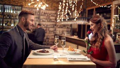 romantyczna kolacja we dwoje w restauracji