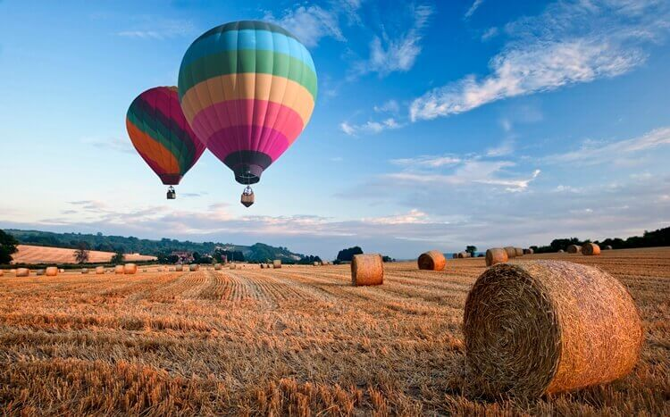 lot balonem nad polami
