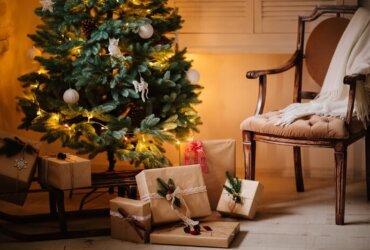 prezenty świąteczne podchoinką