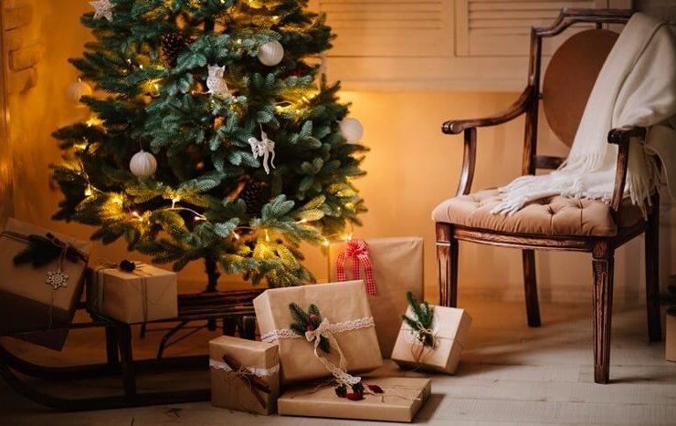 prezenty świąteczne pod choinką