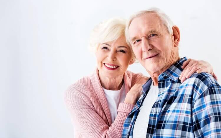szczęśliwe starsze małżeństwo