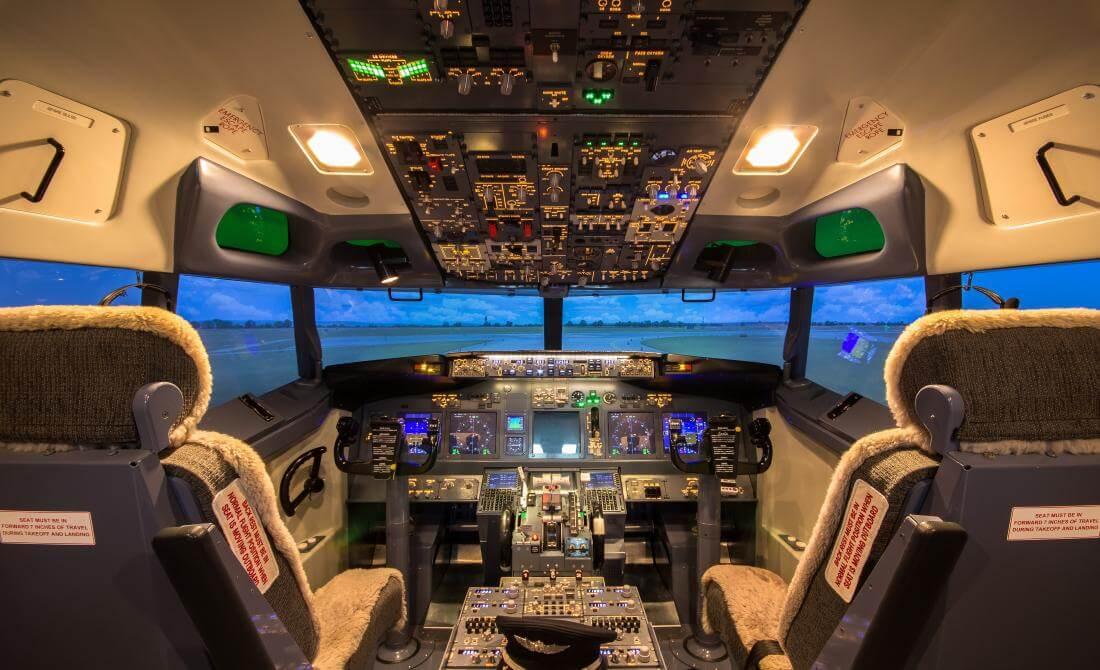 kokpit symulatora lotów