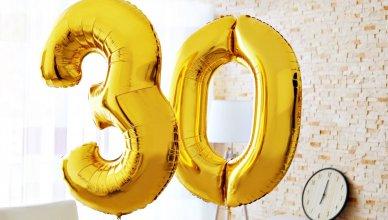 złote balony na 30 urodziny