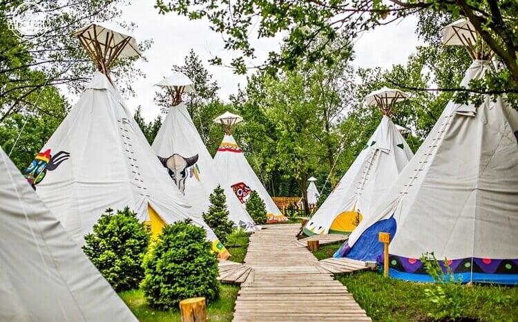 indiańskie tipi w western camp zator energylandia