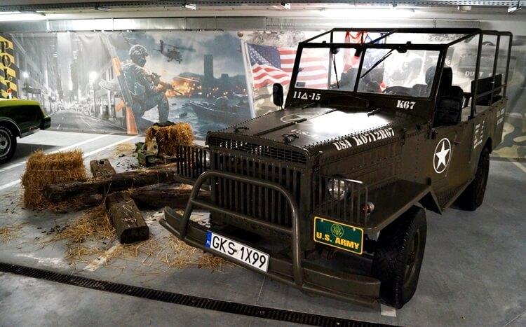amerykański JEEP WOJSKOWY w muzeum na kaszubach