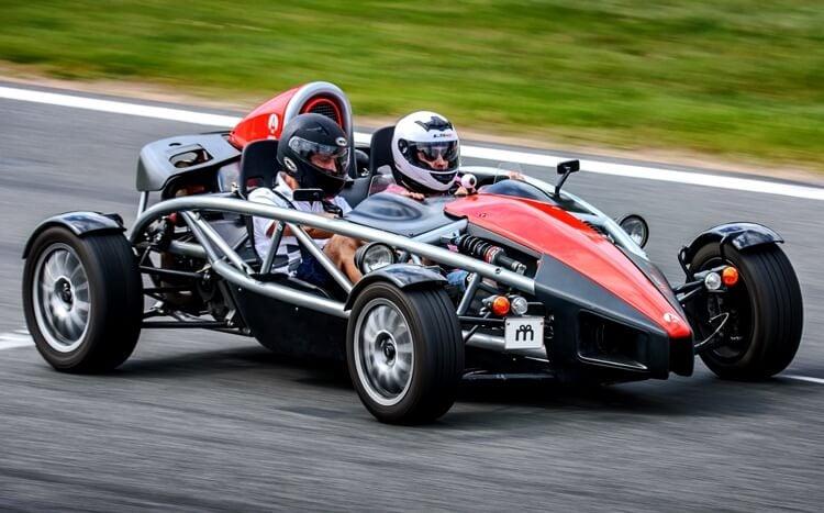samochód bolid sportowy ariel atom