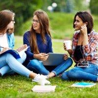 Co kupić koleżankom z klasy na Dzień Kobiet?