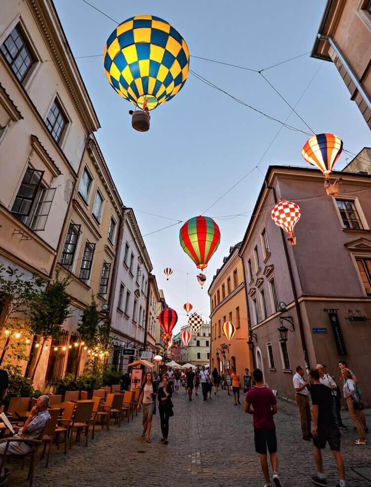 kolorowe balony wlublinie nastarym mieście