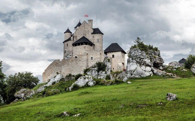 zamek naSzlaku Orlich Gniazd wJurze Krakowsko-Częstochowskiej