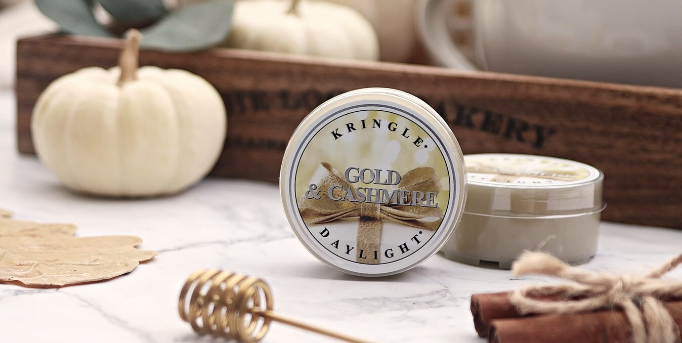 daylight kringle candle gold & cashmere