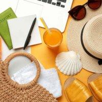 podsumowanie czerwca 2020, laptop i wakacyjne dodatki