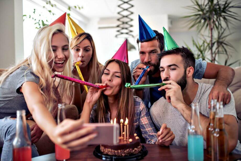 znajomi składają życzenia na30 urodziny