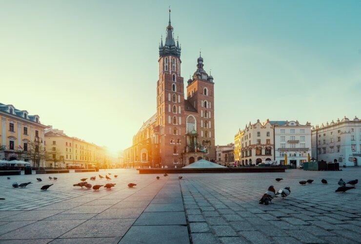 Bazylika Mariacka w Krakowie o wschodzie słońca