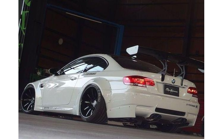 bmw e92 performance widok z tyłu
